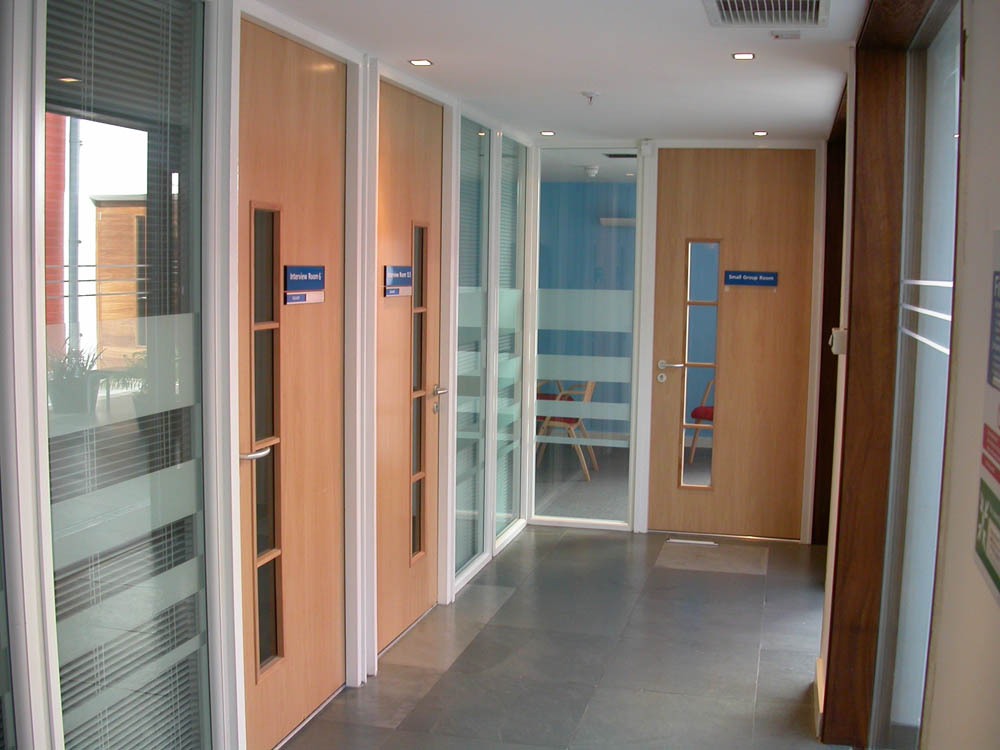 Office partitioning systems supplier northamptonshire uk for Office doors with windows